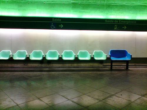 Assento para obeso no Metrô