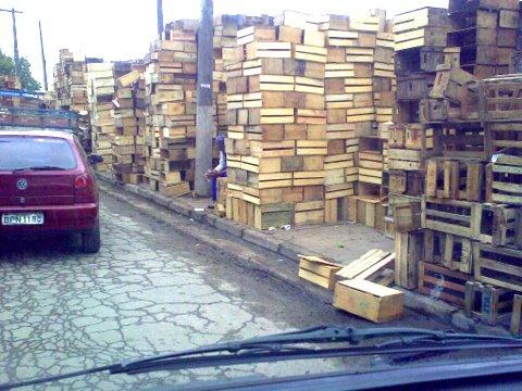 Caixas de madeira da Ceagesp