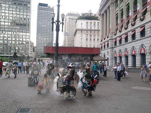 Dança da chuva no centro de São Paulo