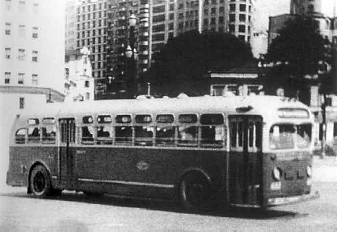 FOTO 5- Ônibus norte-ameticano importado pela CMTC