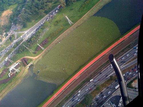 Rio Pinheiros verde
