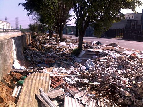 Lixo no Tamanduateí