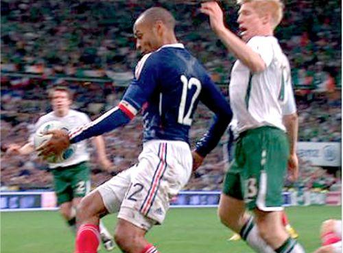 Henry e a mão na bola