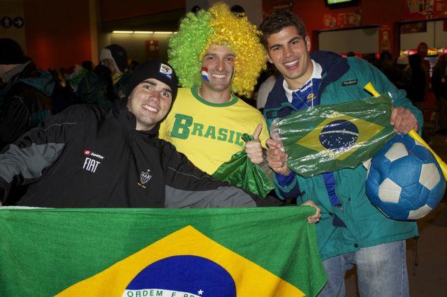 Torcedor confia na vitoria contra Portugal