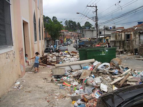 Lixo no Jardim Jaqueline
