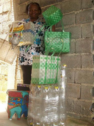 Gari faz trabalho com reciclado