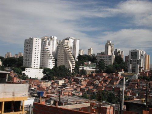 Contraste Morumbi/Paraisópolis