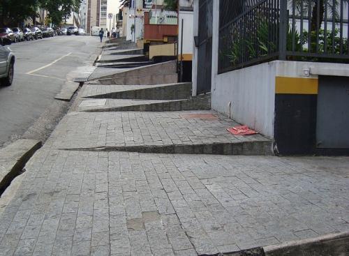 Calçada na Barata Ribeiro