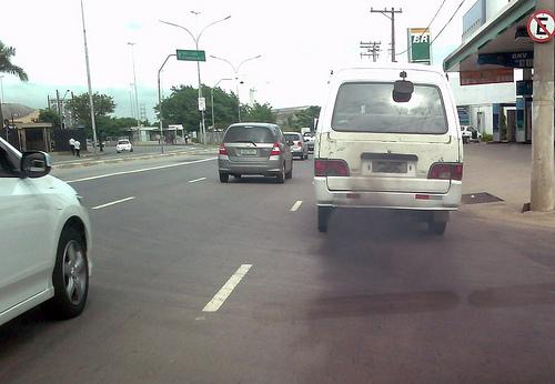 Fumaceira em carro escolar