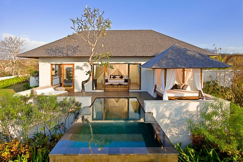 anyx681_master--bedroom-with-plunge-pool