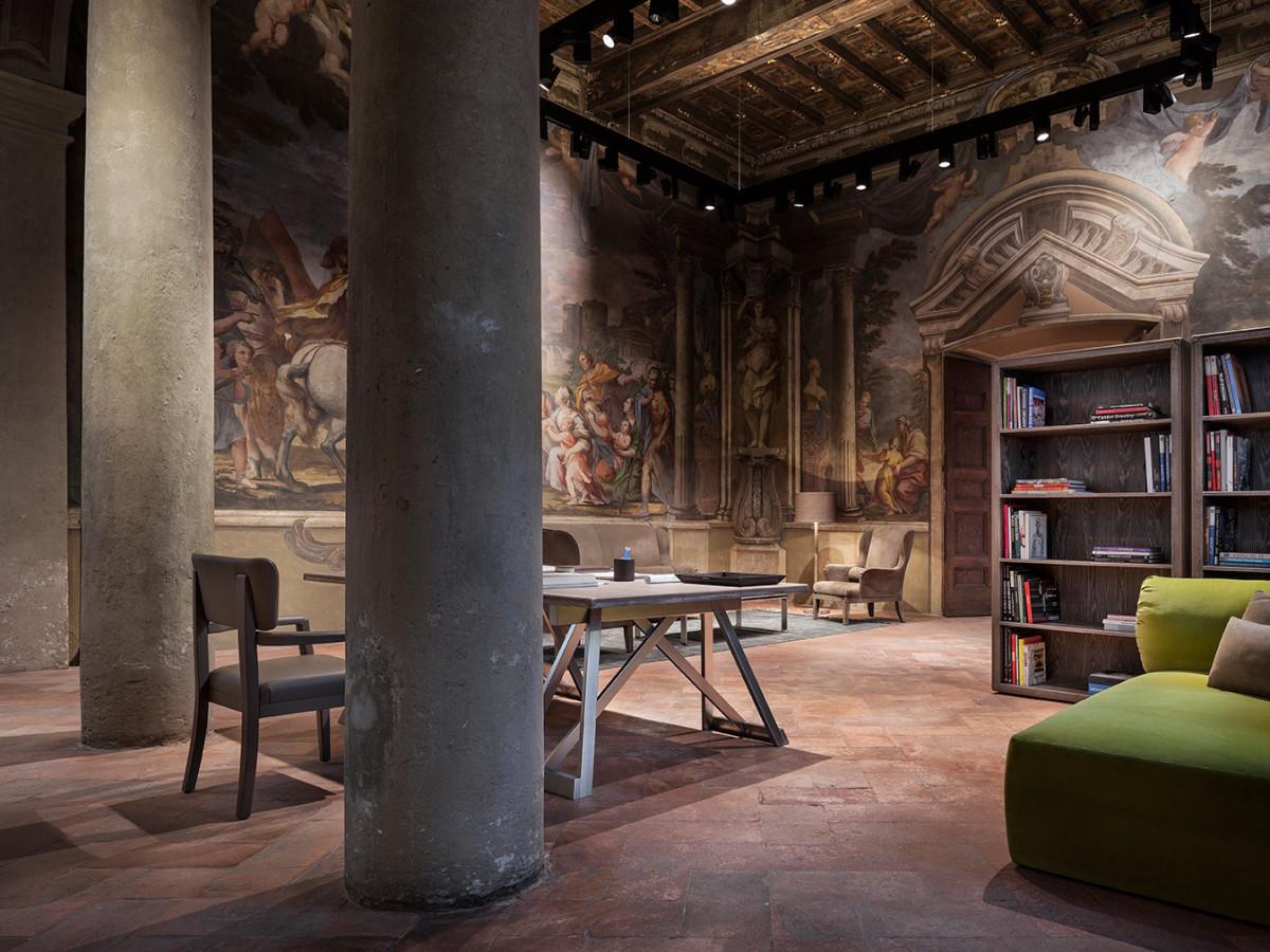 decoracao de interiores lojas:Bottega Veneta abre loja de decoração de interiores em Milão