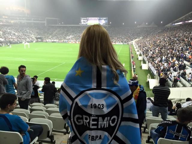 Orgulho de ver o Grêmio em campo (foto de Fabiani Dutra)