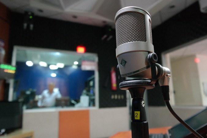 microphone-1562354_960_720