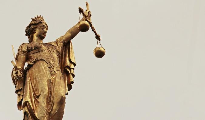 justitia-2597016_960_720