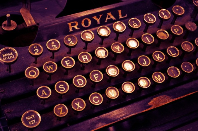 typewriter-1170657_960_720