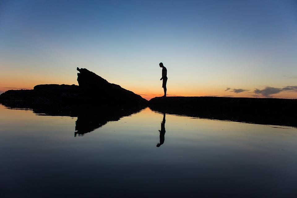 silhouette-1209151_960_720