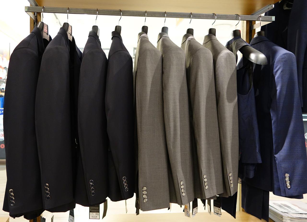 suit-714357_1280