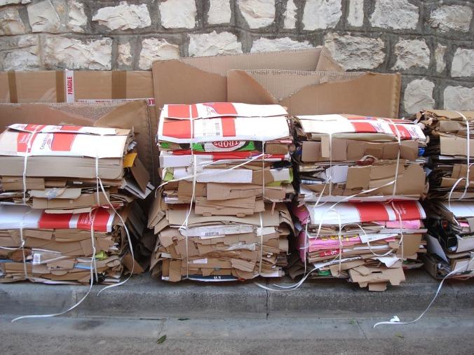 cartons-269793_960_720