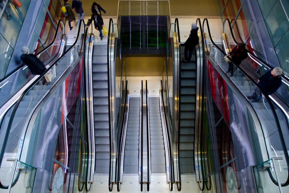escalator-711793_960_720