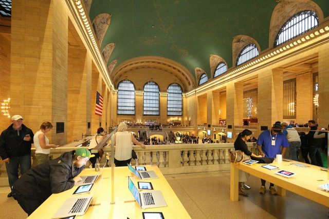 Saving-Place-Iwan-Baan-Grand-Central-Terminal-NYC-Landmarks-Law-50th-Anniversary-Museum-of-CIty-of-New-York-Exhibition