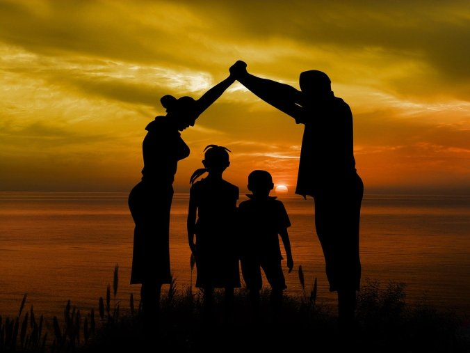 family-1466262_1280