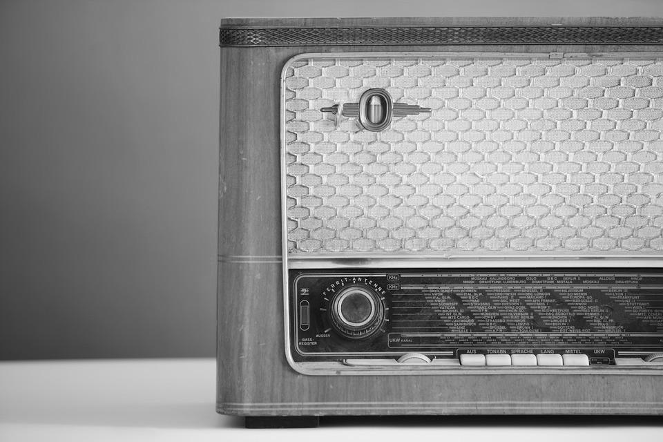 radio-1773304_960_720
