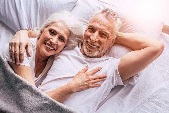 senior-couple-4723737_1280